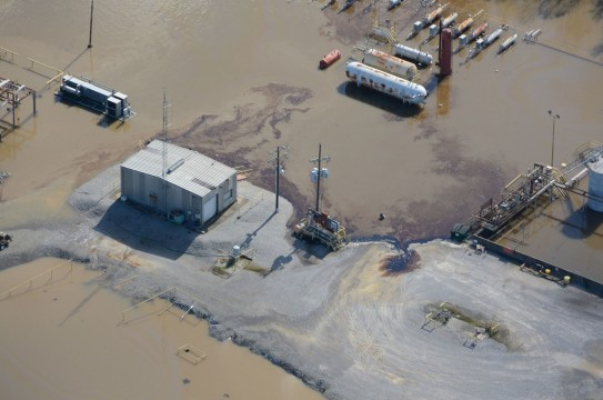 flooding_oilandgassitesTX